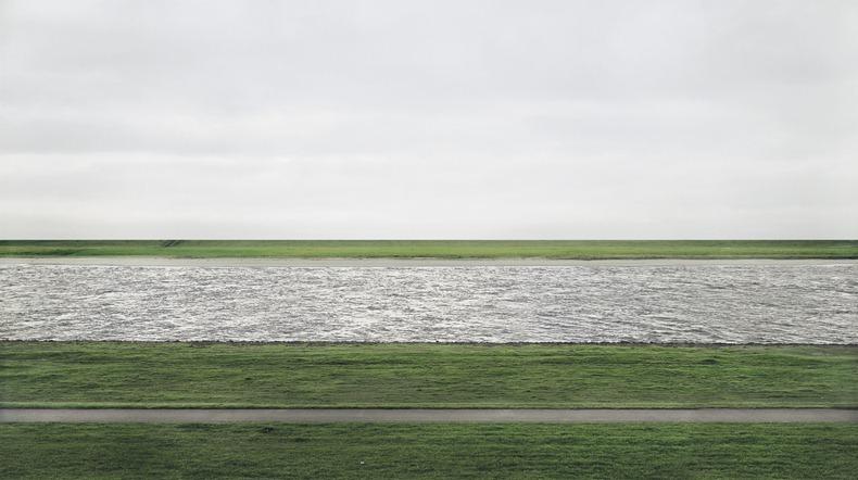 andreas-gursky-RheinII